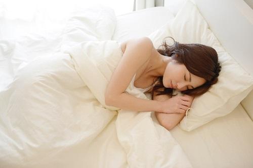深夜のマッサージが眠りに良い理由